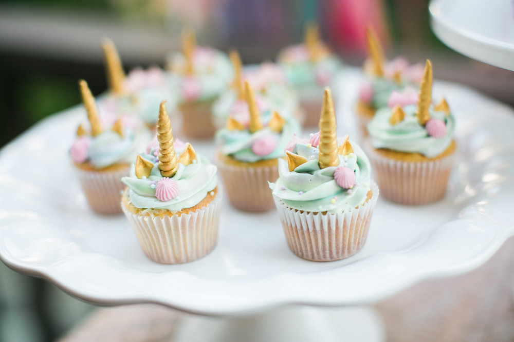 www.santabarbarawedding.com | unicorn cupcakes | lele patisserie | unicorn party ideas