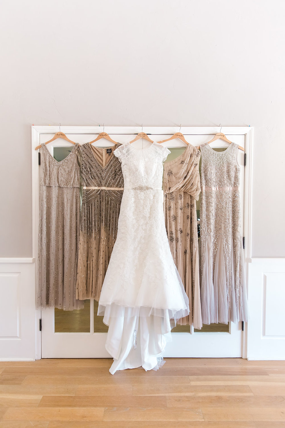 www.santabarbarawedding.com | Jessica Angell Photography | Apple Creek Ranch | Wedding Gown | Bridesmaid Gowns