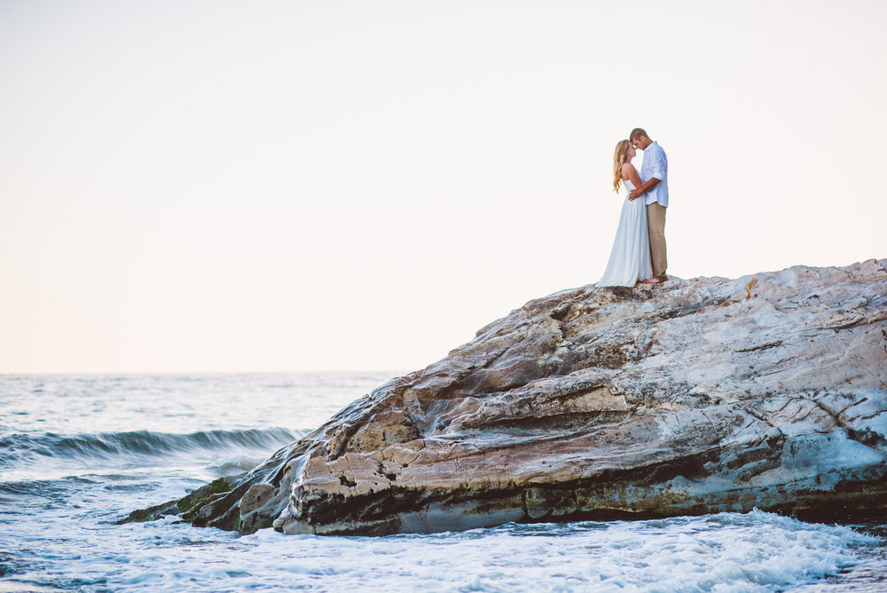 www.santabarbarawedding.com | Grace Kathryn Photography | One Thousand Steps Beach | Engagement Session