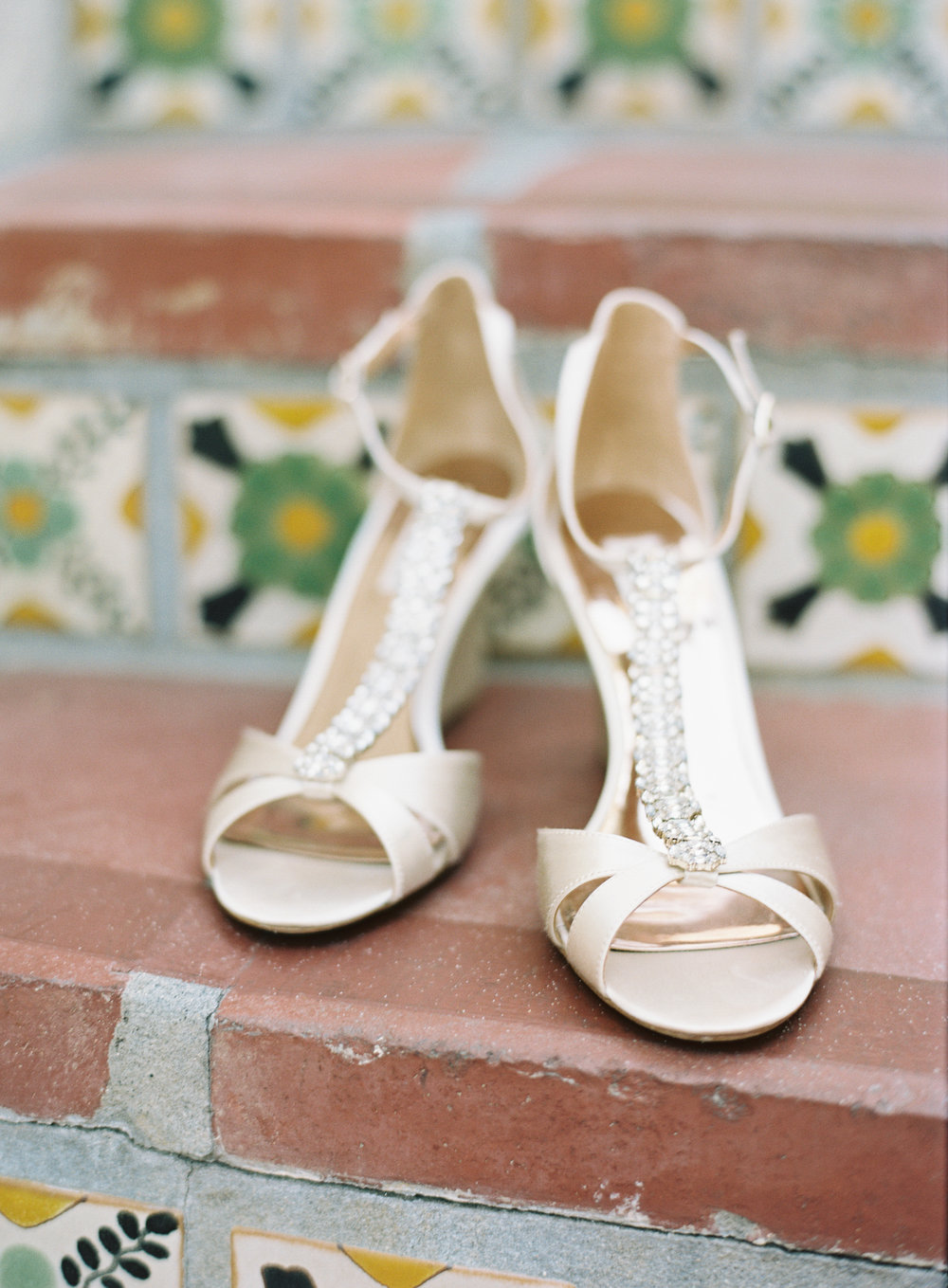 www.santabarbarawedding.com | Ashley Kelemen Photography | Four Seasons Santa Barbara | Bride's Shoes