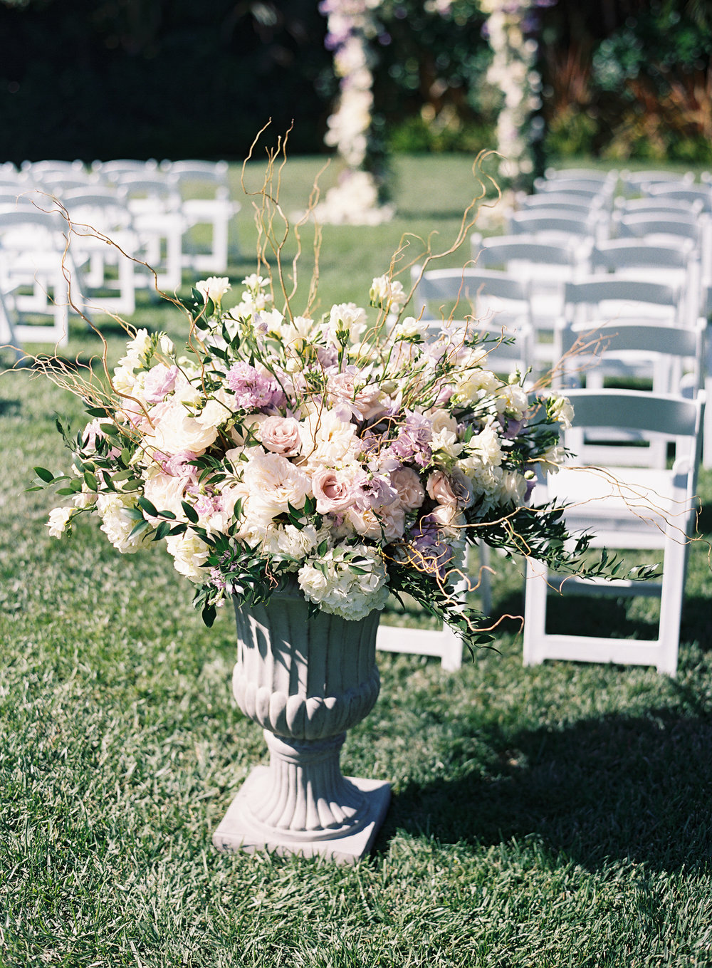 www.santabarbarawedding.com | Ashley Kelemen Photography | Four Seasons Santa Barbara | Ceremony Floral Arrangement