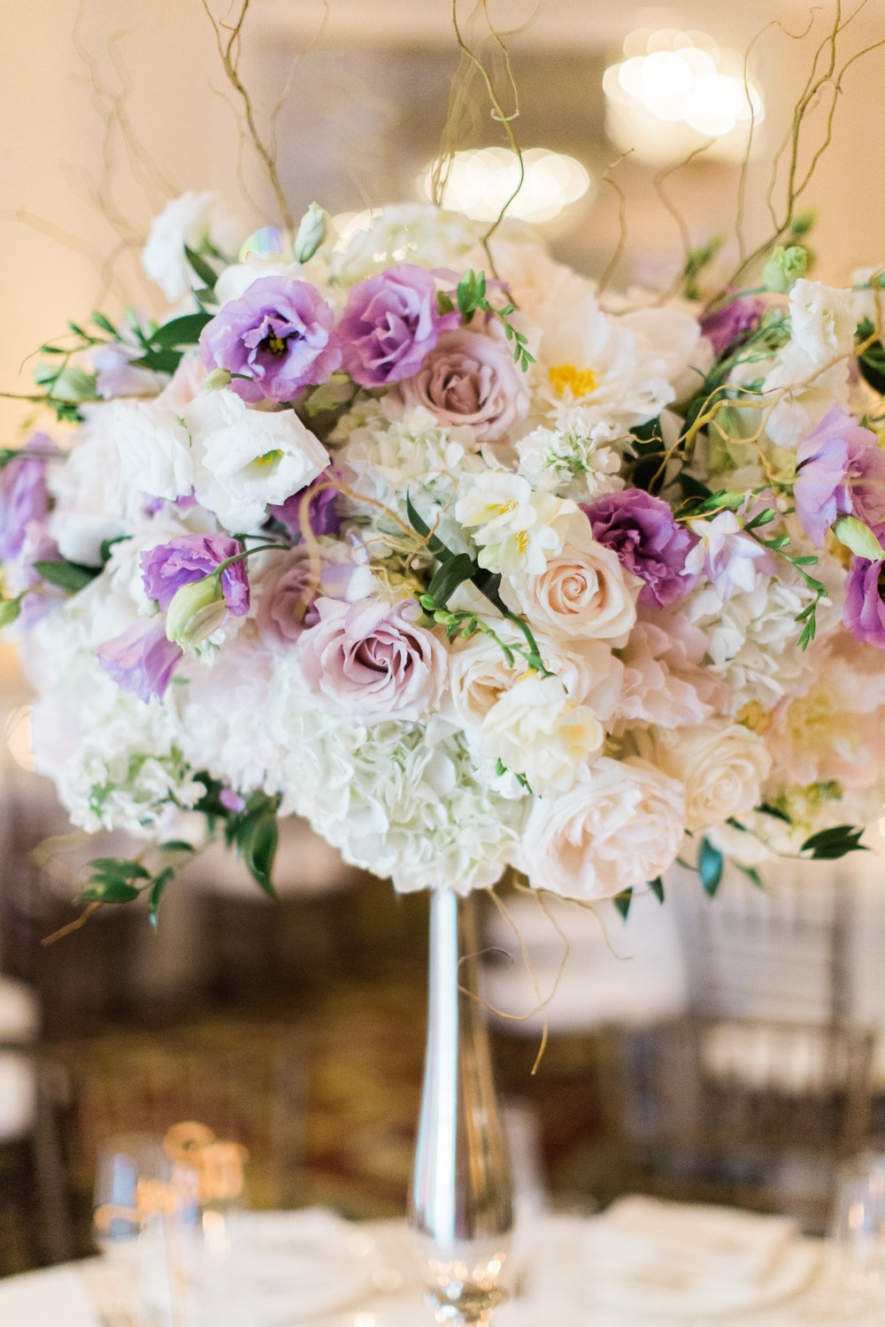 www.santabarbarawedding.com | Ashley Kelemen Photography | Four Seasons Santa Barbara | Reception Floral Arrangement
