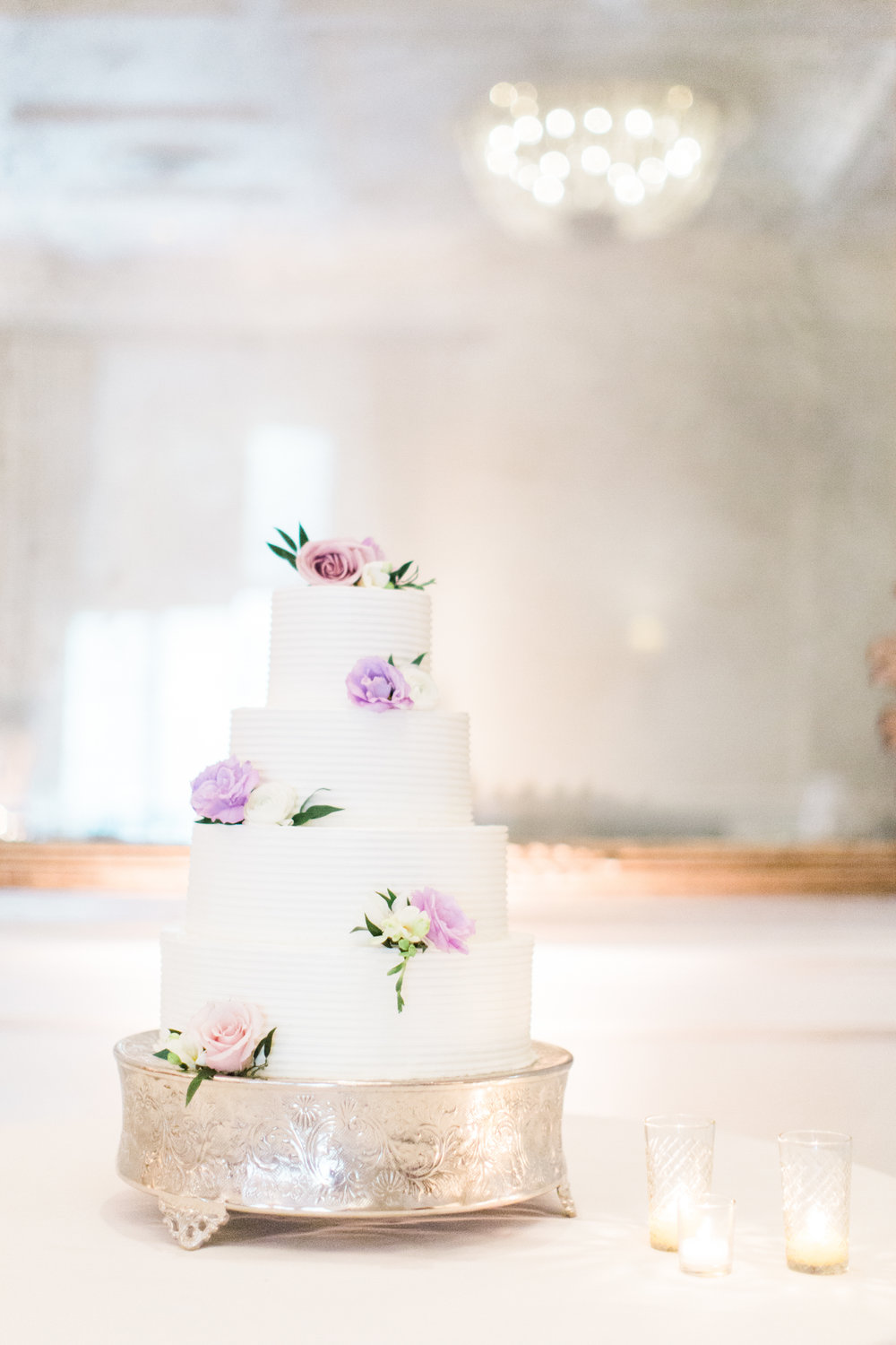 www.santabarbarawedding.com | Ashley Kelemen Photography | Four Seasons Santa Barbara | Wedding Cake