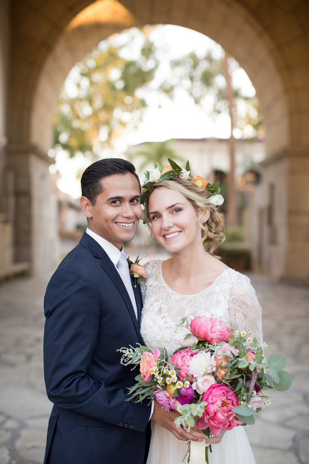 www.santabarbarawedding.com | Anna J Photography | Santa Barbara Courthouse | Bride and Groom