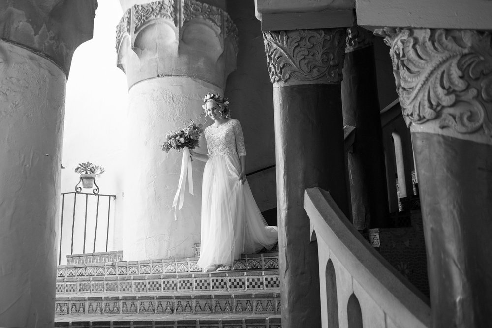 www.santabarbarawedding.com | Anna J Photography | Santa Barbara Courthouse | Bride