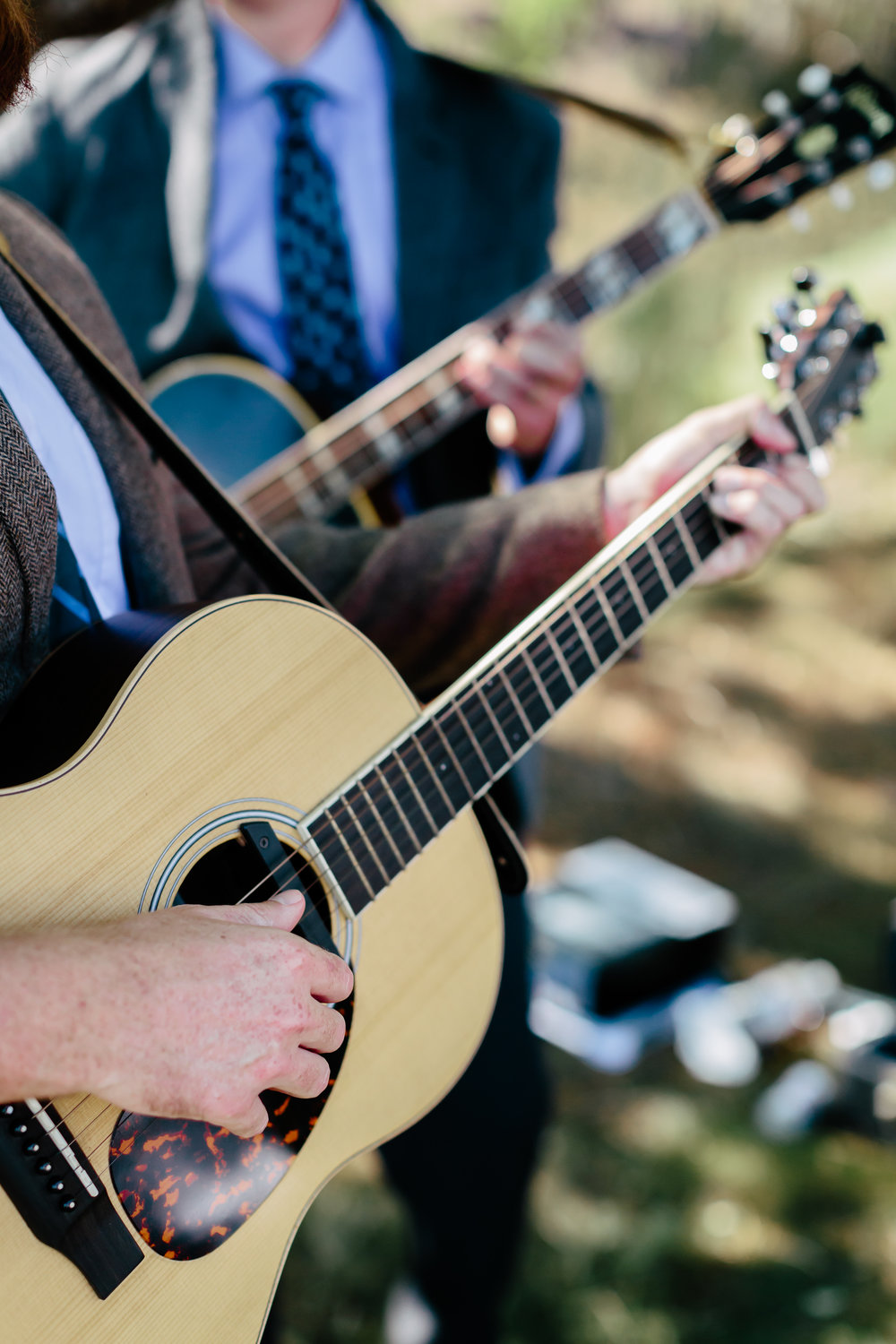 www.santabarbarawedding.com | Rewind Photography | Condor Ridge Ranch | Live Music | Guitarists | Ceremony