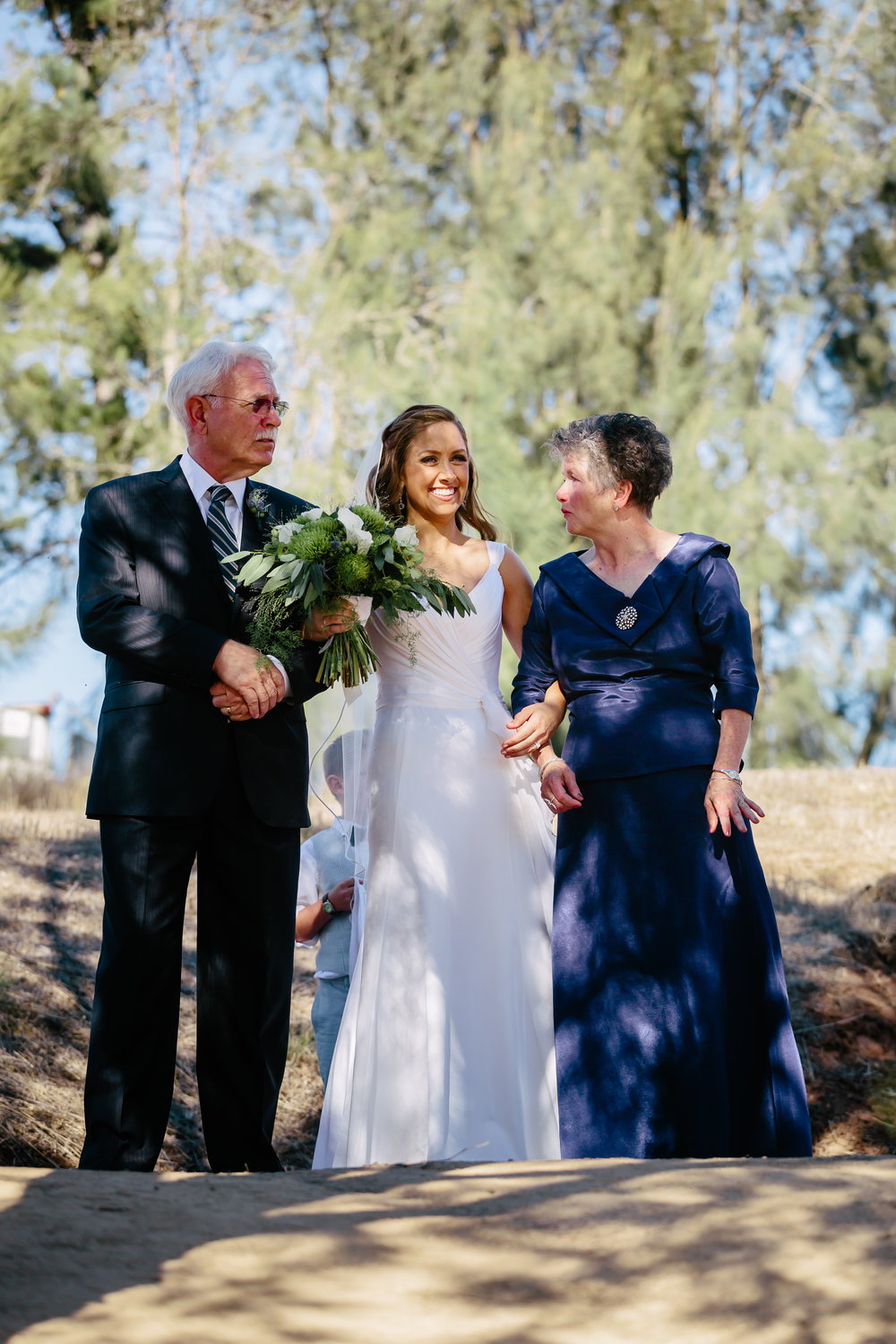 www.santabarbarawedding.com | Rewind Photography | Condor Ridge Ranch | Bride and Mother and Father