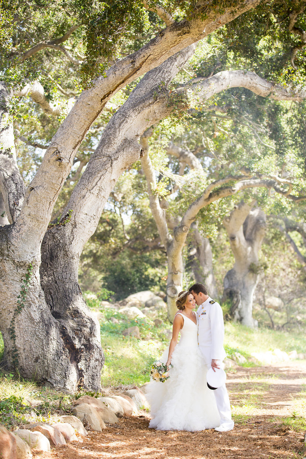 www.santabarbarawedding.com | Heartstone Ranch | Anna Schmidt Photography | Bride and Groom