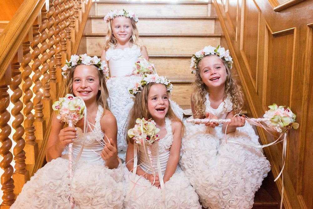 www.santabarbarawedding.com | Heartstone Ranch | Anna Schmidt Photography | Flower Girls