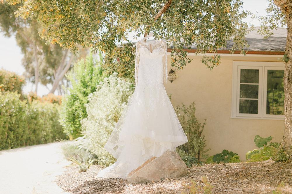 www.santabarbarawedding.com | Kristen Booth Photography | Rincon Beach Club | Wedding Dress