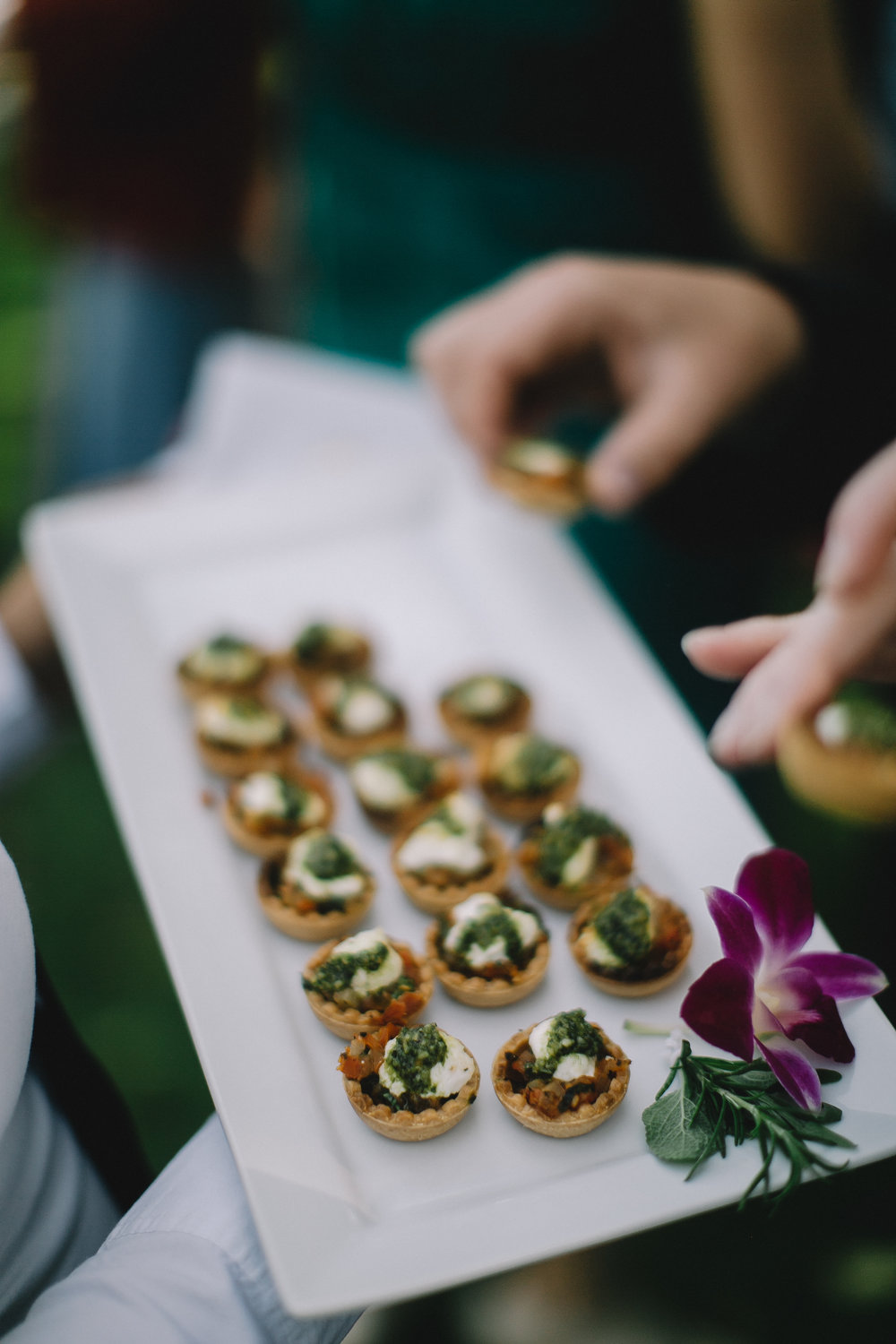 www.santabarbarawedding.com | hors d'ouvres | appetizer tips | Catering connection | appetizer caprese | wedding menu