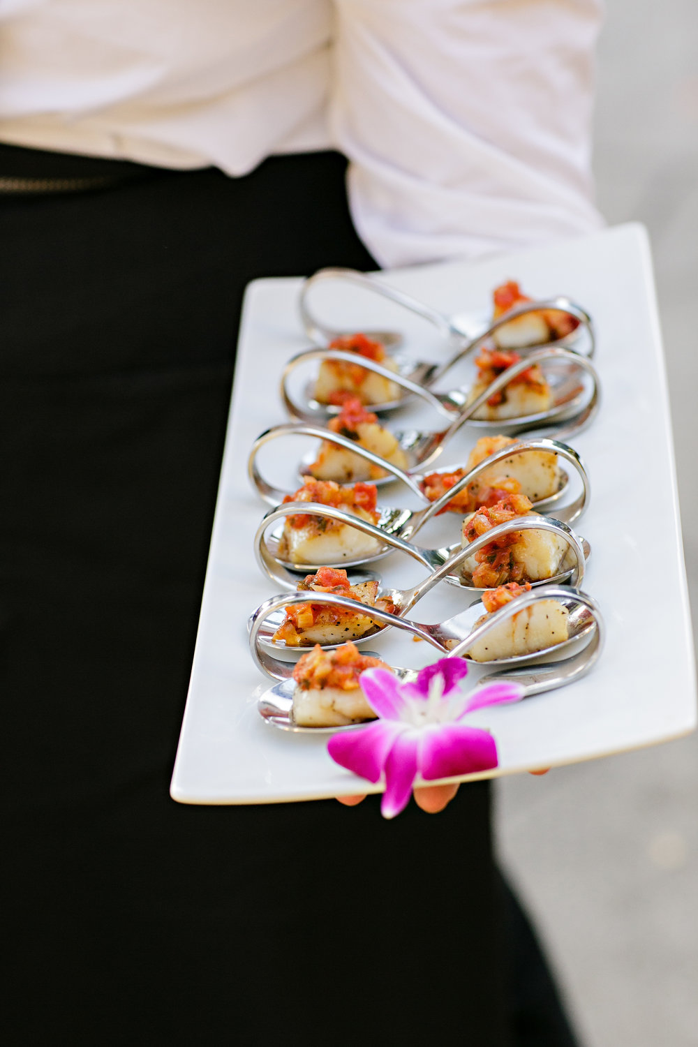 www.santabarbarawedding.com | hors d'ouvres | appetizer tips | Catering connection | appetizer in spoons | wedding menu