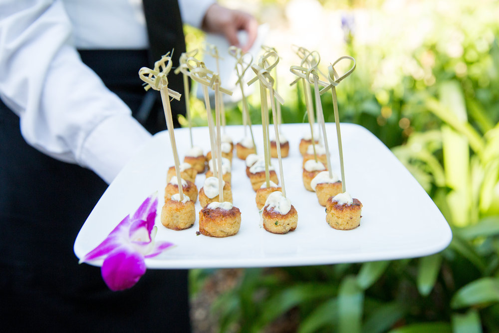 www.santabarbarawedding.com | hors d'ouvres | appetizer tips | Catering connection | crab cakes | wedding menu
