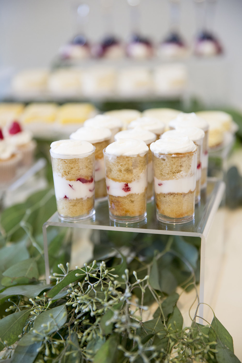 www.santabarbaraweddingstyle | dessert buffet | Dessert ideas | strawberry shortcake | lele patisserie | Kristen Beinke Photography