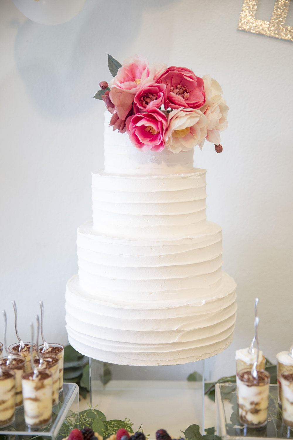 www.santabarbaraweddingstyle | dessert buffet | Dessert ideas | wedding cake | lele patisserie | Kristen Beinke Photography