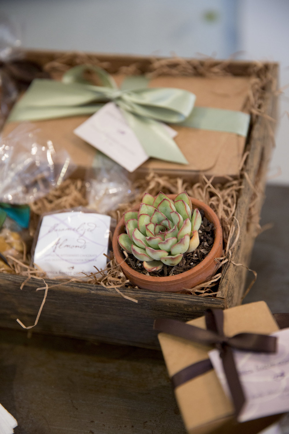 www.santabarbarawedding | Jessica Foster Confections | Dessert Bar | Wedding Gift Baskett | Kristen Beinke Photography