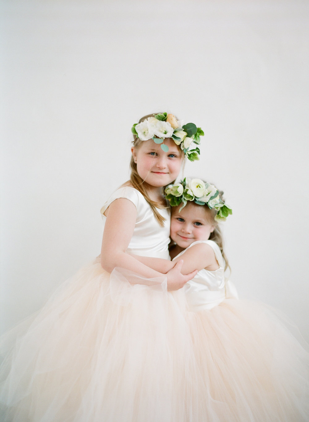 www.santabarbarawedding.com | Michelle Beller Photography | Ojai Valley Inn | Flower Girls