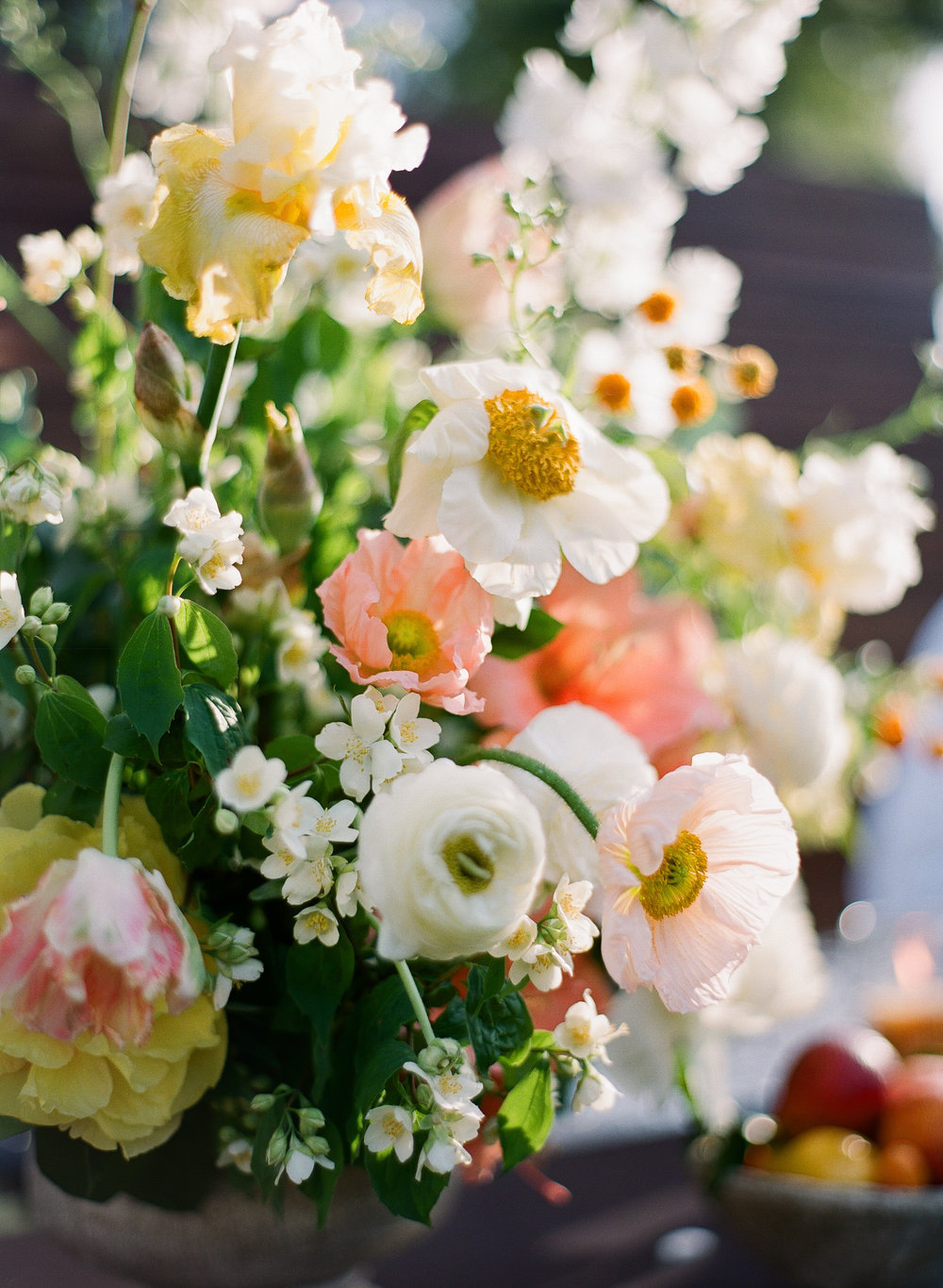 www.santabarbarawedding.com | Michelle Beller Photography | Ojai Valley Inn | Flower Arrangement