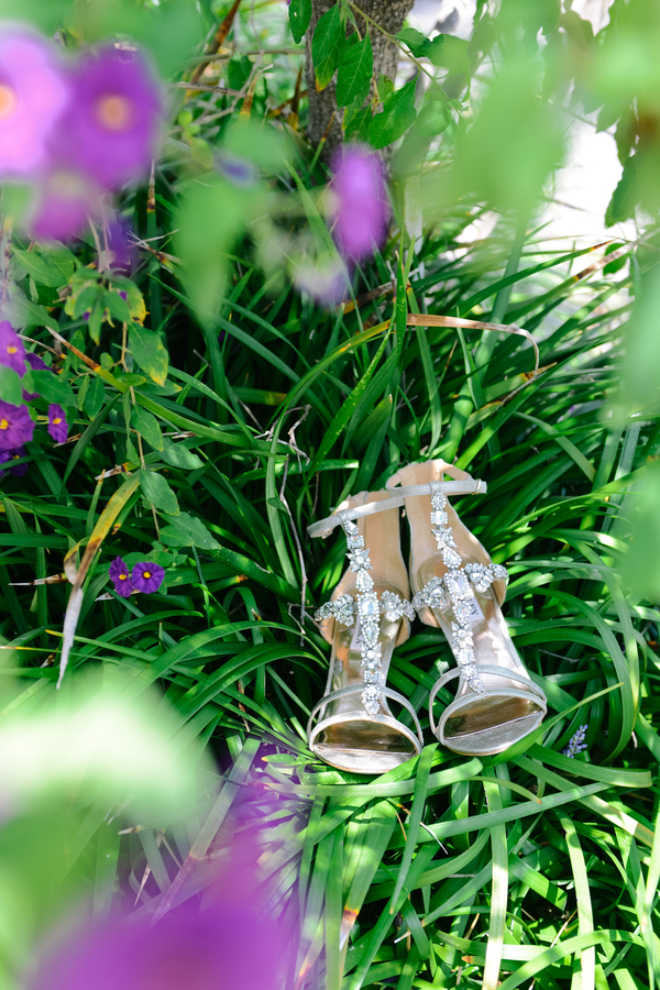 www.santabarbarawedding.com | SB Polo and Racquet Club | By Cherry Photography | Bridal Shoes