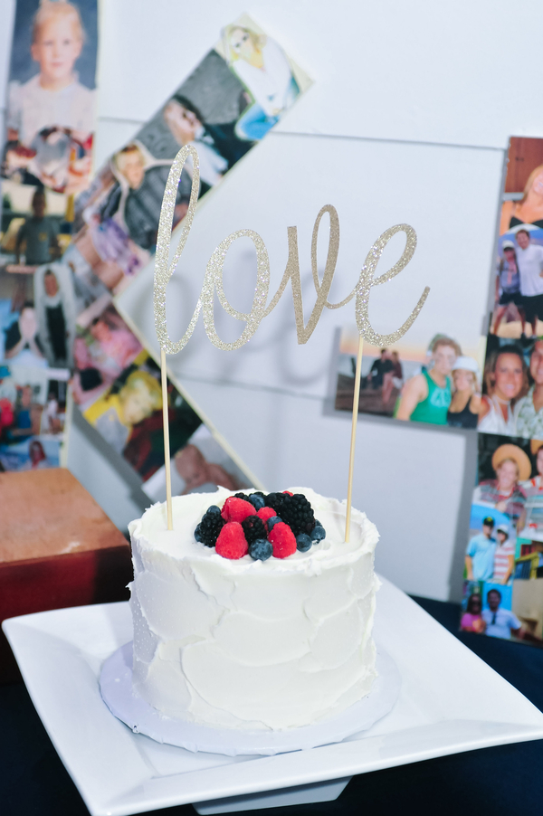 www.santabarbarawedding.com | SB Polo and Racquet Club | By Cherry Photography | Wedding Cake