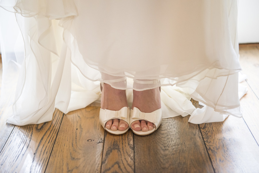 www.santabarbarawedding.com | San Ysidro Ranch | David Kepner Photography | Bride's Shoes
