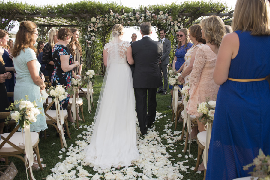 www.santabarbarawedding.com | San Ysidro Ranch | David Kepner Photography | Ceremony Aisle