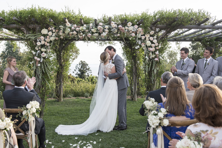 www.santabarbarawedding.com | San Ysidro Ranch | David Kepner Photography | Ceremony