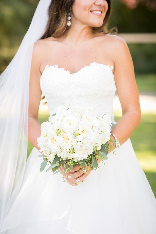 www.santabarbarawedding.com | Kelsey Crews Photography | Bride | Bridal Bouquet