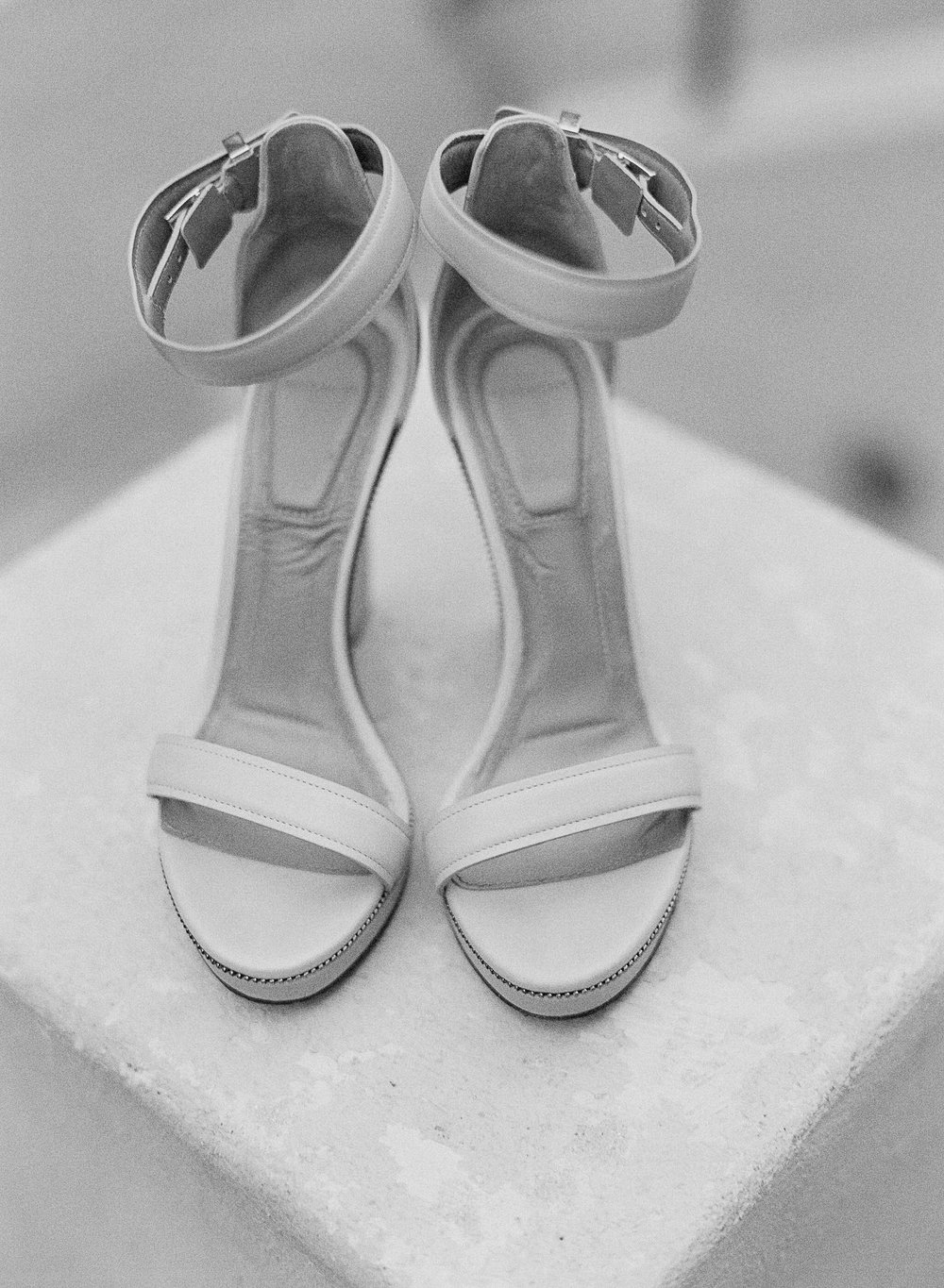 www.santabarbarawedding.com | Villa Verano | Clarissa Koenig Photography | Felici Events | Bride's Shoes