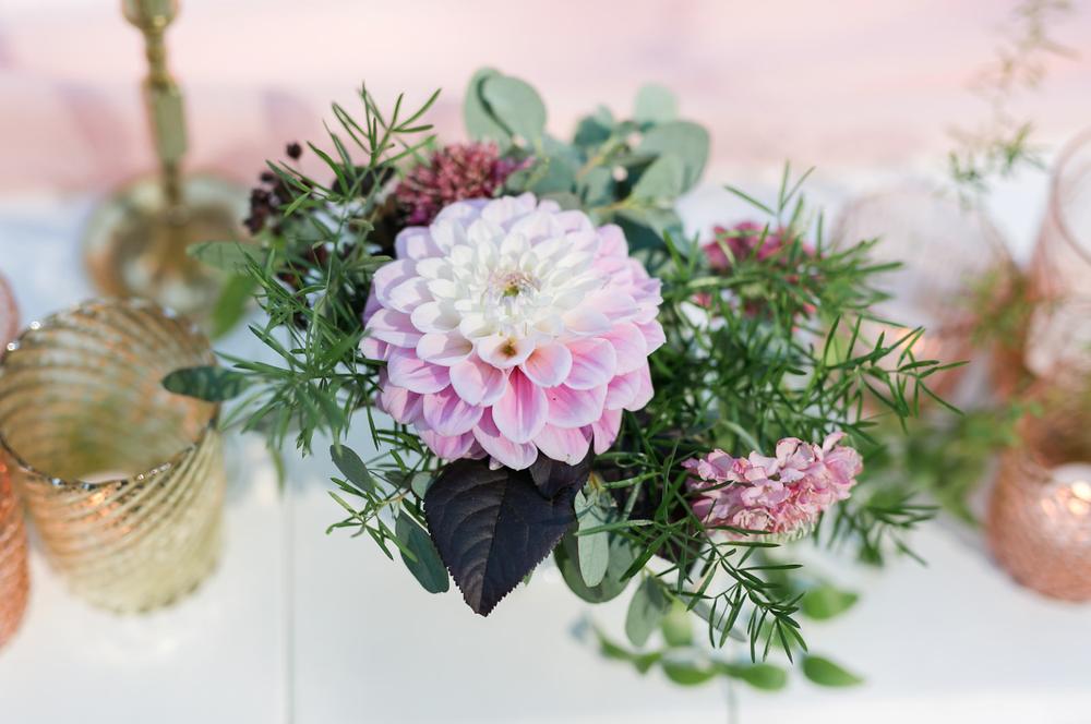 www.santabarbarawedding.com | Mattei's Tavern | Staci Stack Photography | Flowers | Margaret Joan Floral