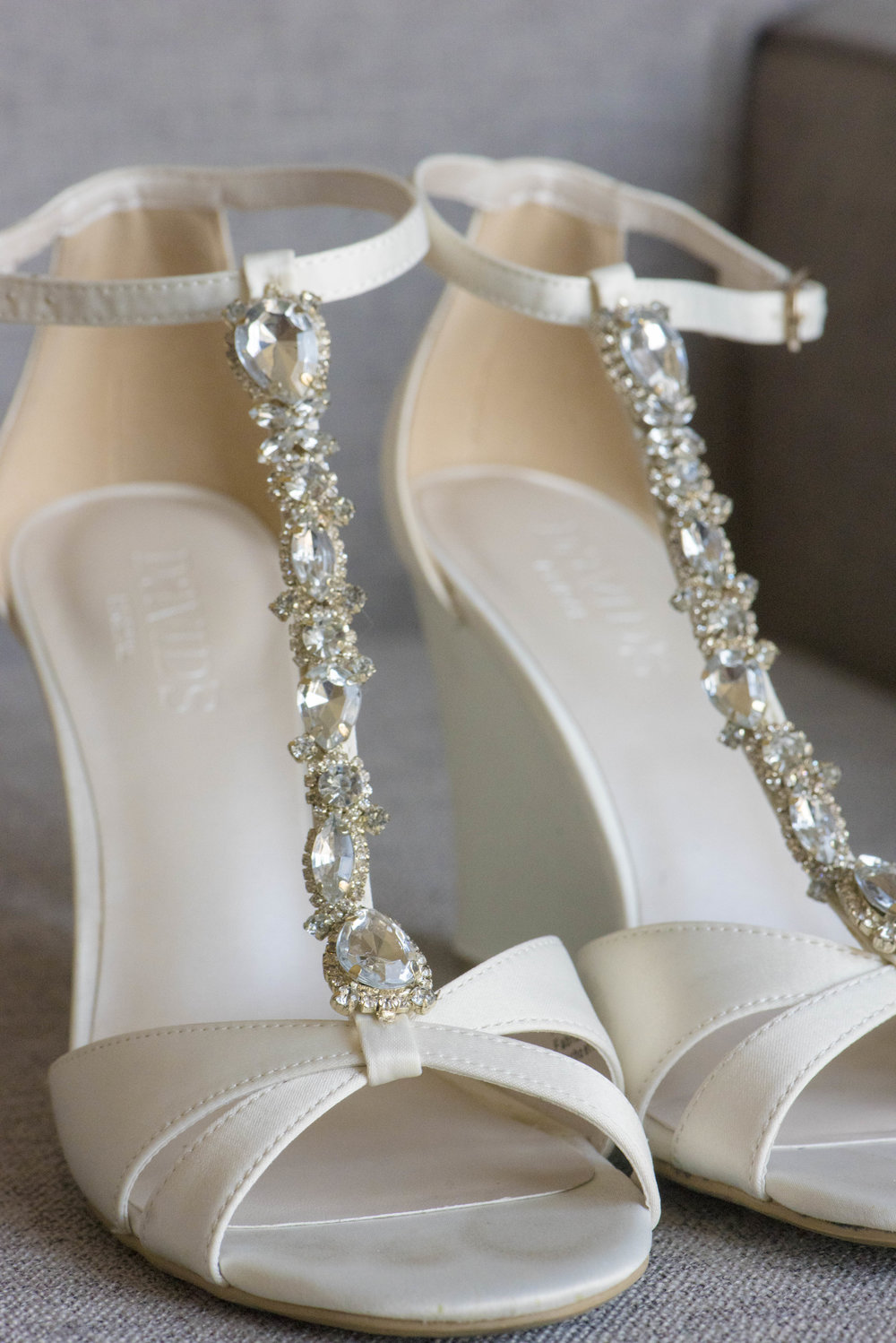 www.santabarbarawedding.com | By Cherry Photography | Chase Palm Park | Bride's Shoes