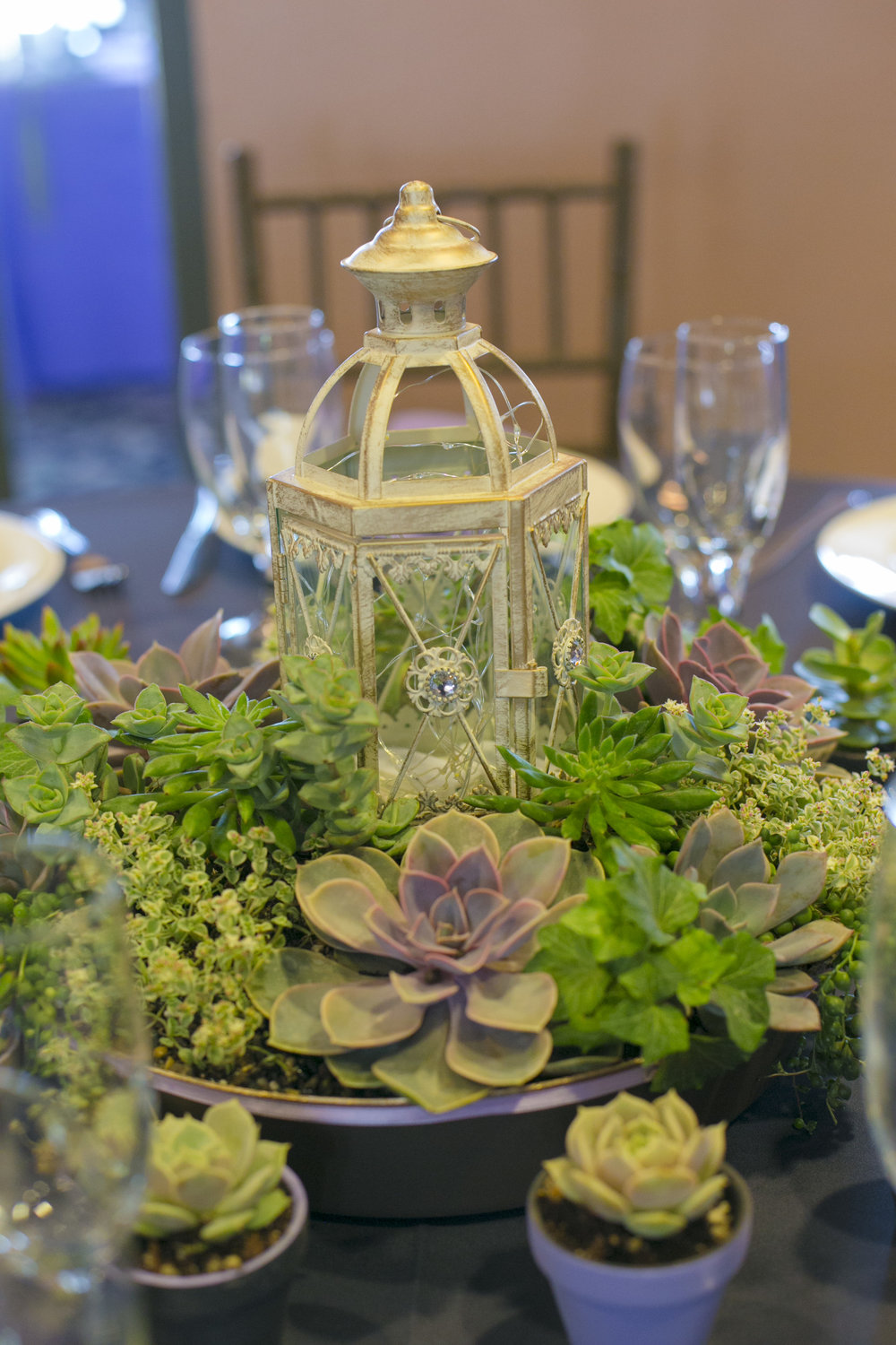 www.santabarbarawedding.com | By Cherry Photography | Chase Palm Park | Reception Centerpiece