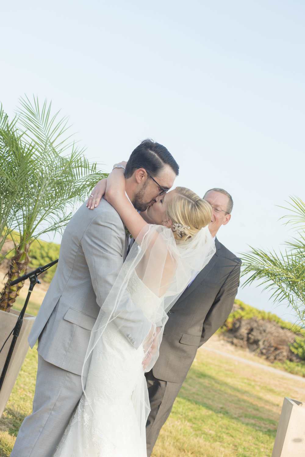 www.santabarbarawedding.com | By Cherry Photography | Chase Palm Park | First Kiss