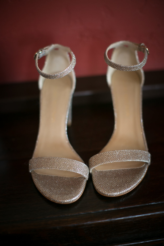 www.santabarbarawedding.com | Kelsey Crews | Felici Events | Santa Barbara Club | Bride's Shoes