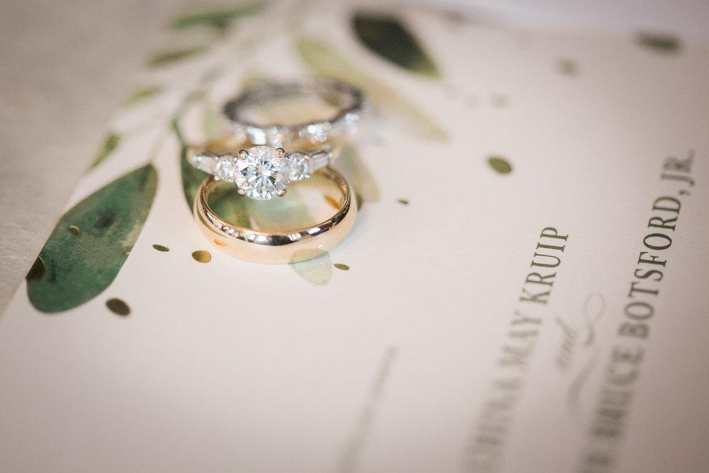 www.santabarbarawedding.com | Kelsey Crews | Felici Events | Santa Barbara Club | Wedding Rings