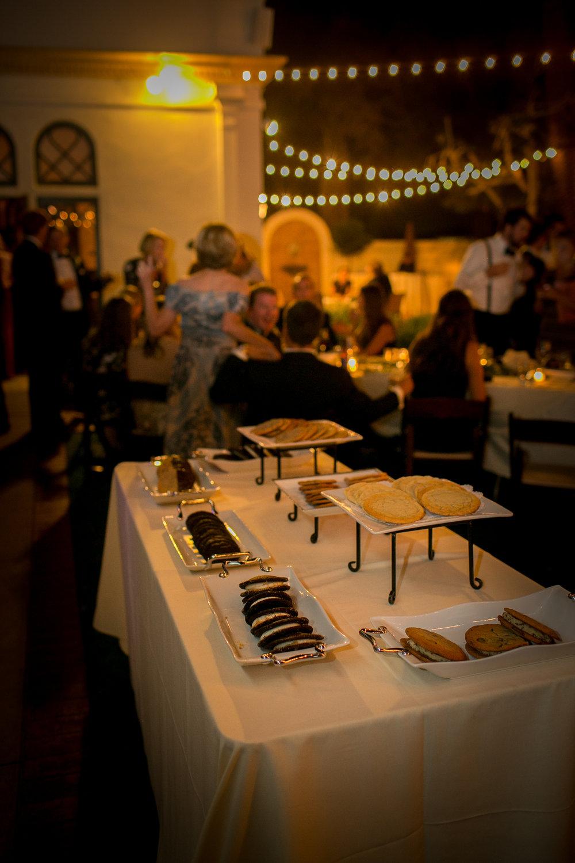 www.santabarbarawedding.com | Kelsey Crews | Felici Events | Santa Barbara Club | Cookie Bar