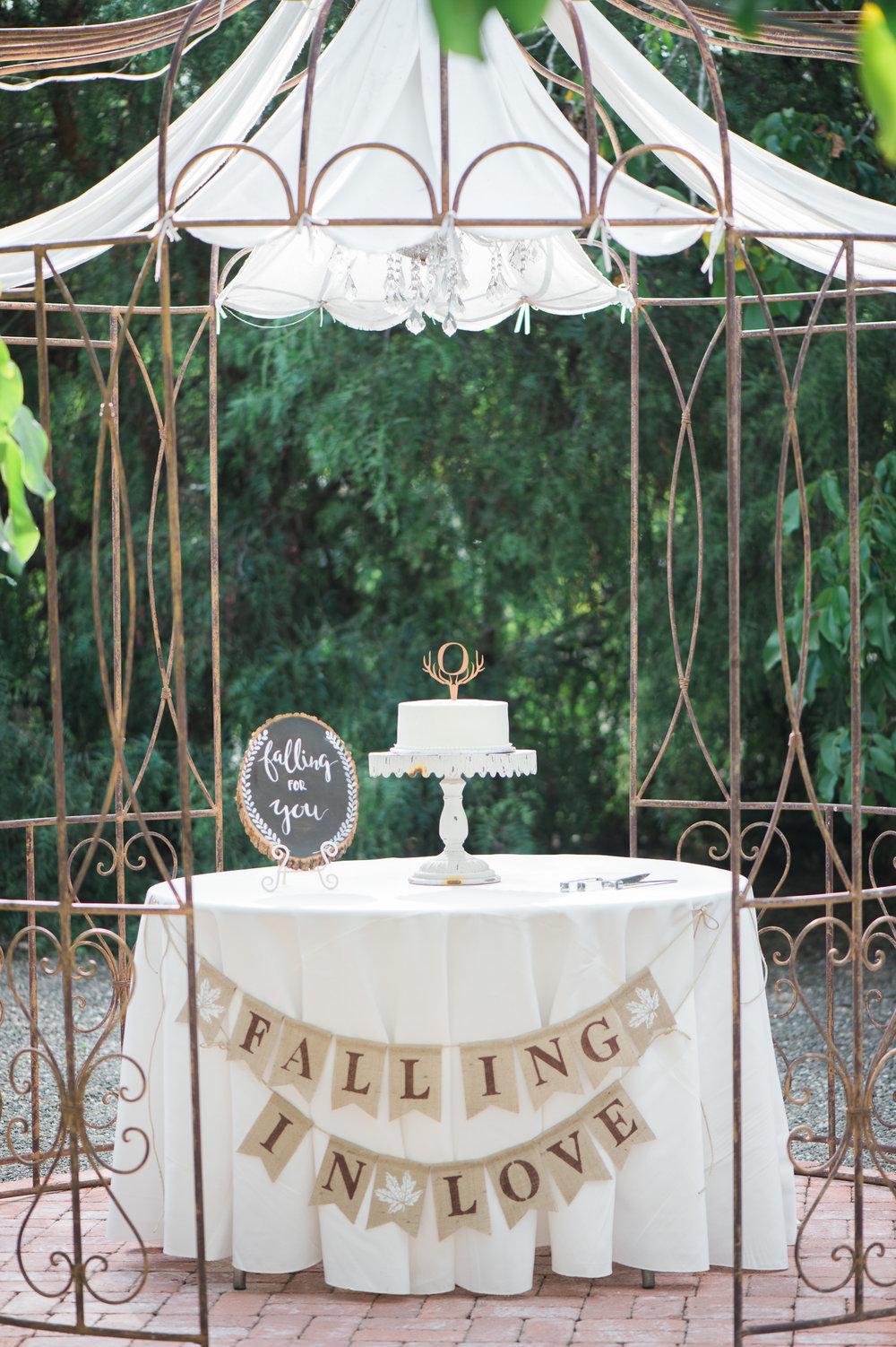 www.santabarbarawedding.com | The Gardens at Peacock Farms | Jennifer Lourie | Wedding Cake