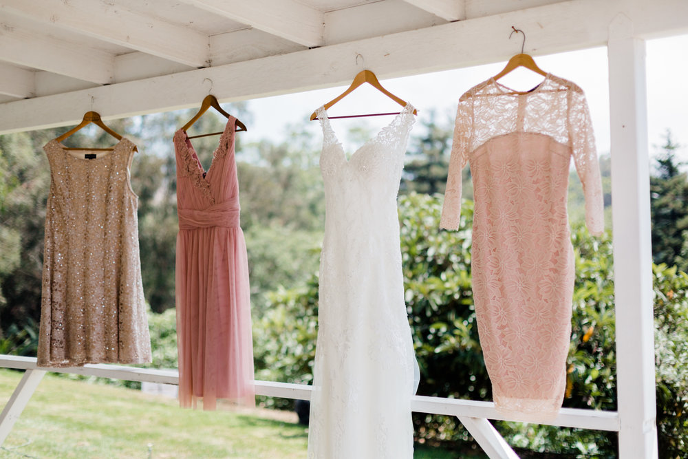 www.santabarbarawedding.com | Kaitie Brainerd Photo | Rancho Dos Pueblos | Bride's Dress and Bridesmaids Dresses