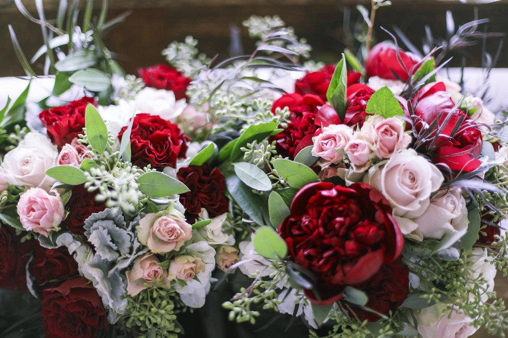 www.santabarbarawedding.com | Joseph Henry Photo | Sunstone Winery | Floral Arrangement