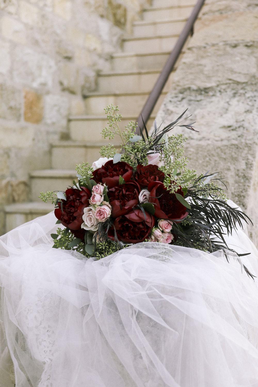 www.santabarbarawedding.com | Joseph Henry Photo | Sunstone Winery | Bridal Bouquet