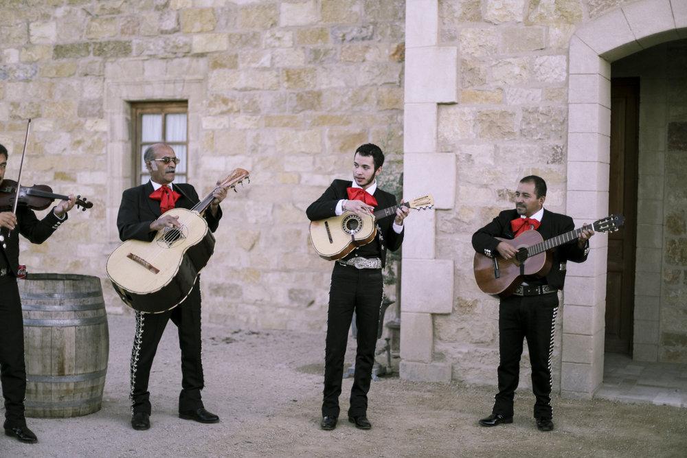 www.santabarbarawedding.com | Joseph Henry Photo | Sunstone Winery | Mariachi Band