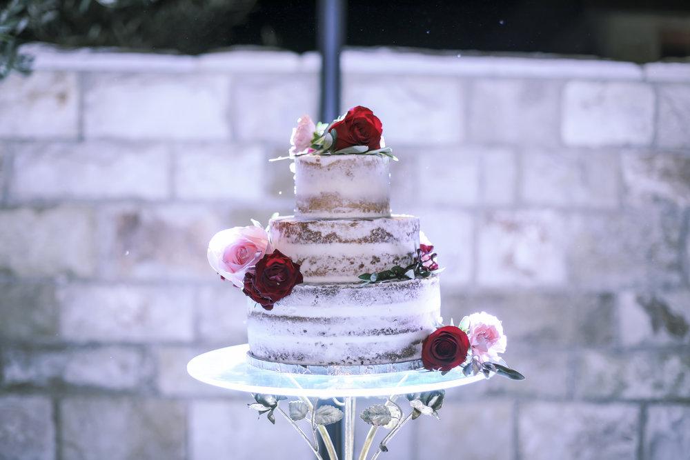 www.santabarbarawedding.com | Joseph Henry Photo | Sunstone Winery | Wedding Cake