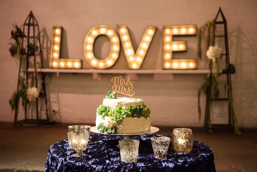 www.santabarbarawedding.com | Felici Events | Melissa Musgrove | El Paseo | Wedding Cake