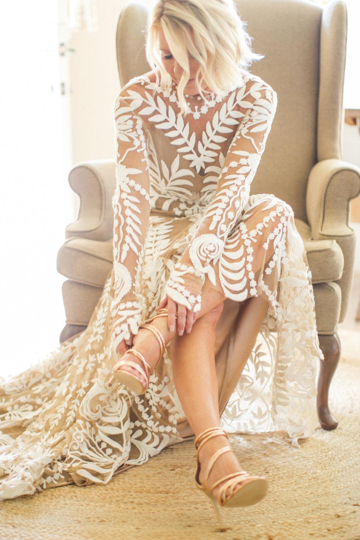 www.santabarbarawedding.com | Atelier de La Fleur Weddings & Events | Mike Larson | Bride Getting Ready