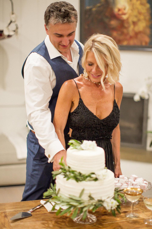 www.santabarbarawedding.com | Atelier de La Fleur Weddings & Events | Mike Larson | Cutting the Cake