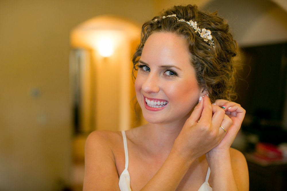 www.santabarbarawedding.com | Boone & Stacie Weddings | Santa Barbara Courthouse | El Paseo | Bride Getting Ready