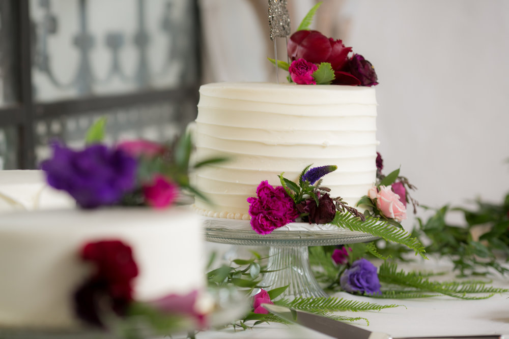 www.santabarbarawedding.com | Boone & Stacie Weddings | Santa Barbara Courthouse | El Paseo | Wedding Cake