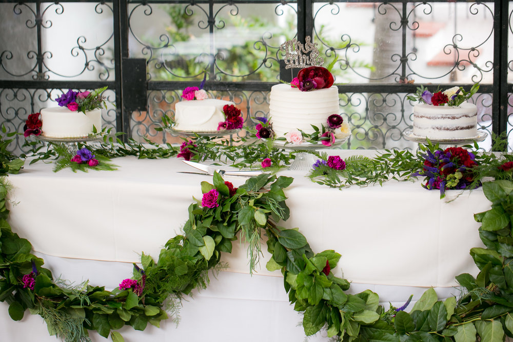 www.santabarbarawedding.com | Boone & Stacie Weddings | Santa Barbara Courthouse | El Paseo | Wedding Cakes