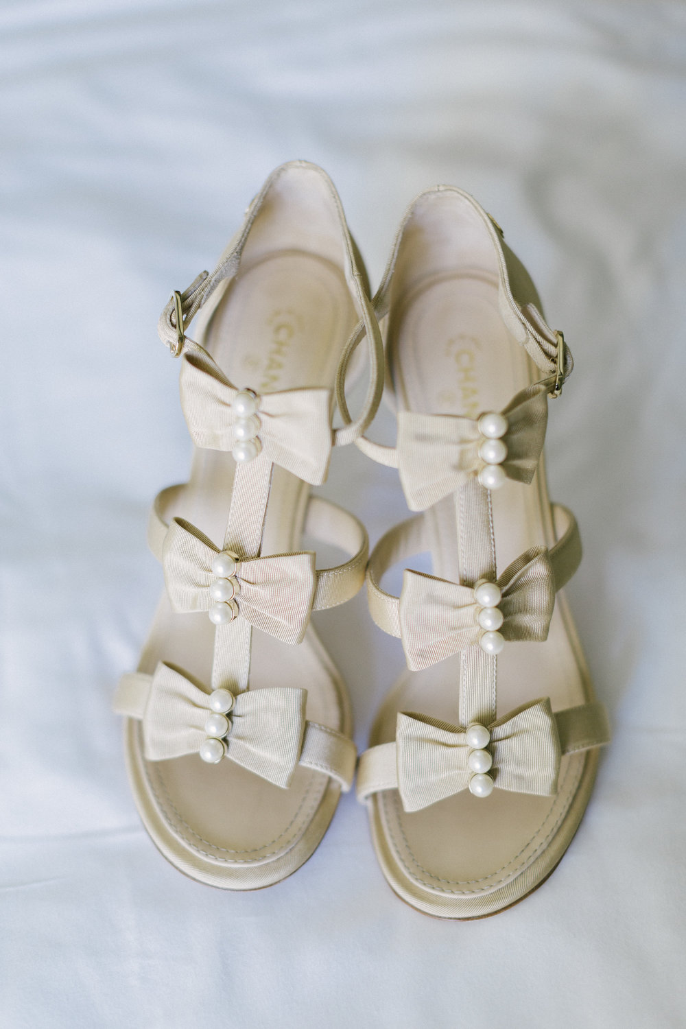 www.santabarbarawedding.com | Santa Barbara Courthouse | Canary Hotel | Aurelia D'Amore Photography | Bride's Shoes