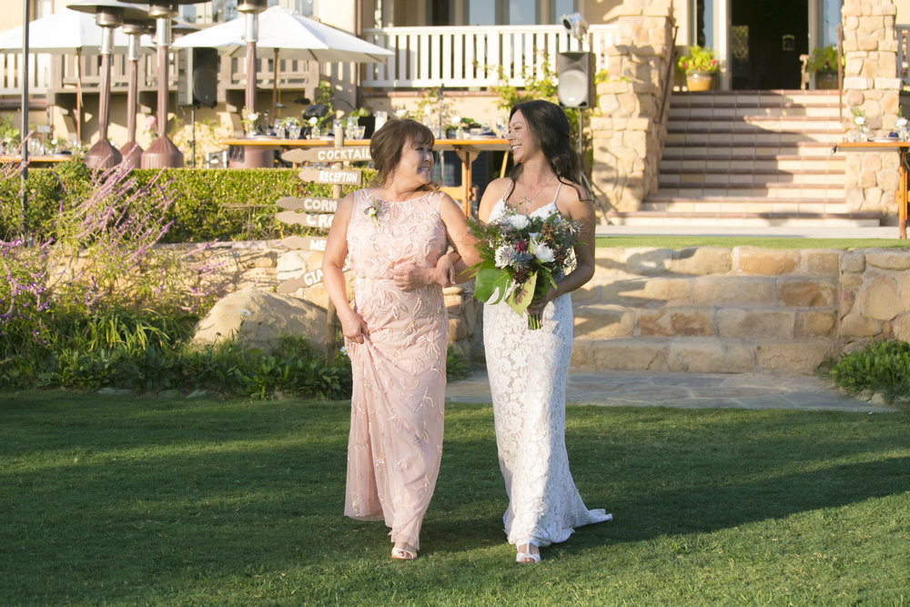 www.santabarbarawedding.com | ByCherry Photography | HeartStone Ranch | Bride walking down aisle
